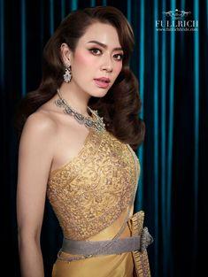 Thai Traditional Dress, Traditional Wedding Dresses, Thailand, Fashion Dresses, Costumes, Formal Dresses, Clothes, Fashion Show Dresses, Dresses For Formal
