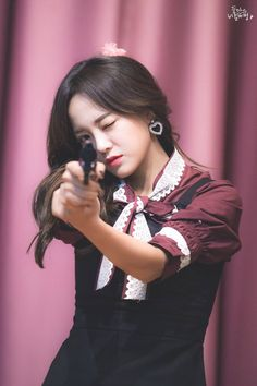 Even with frilly dress, she cant hide her true old-man nature A Girl Like Me, My Girl, Extended Play, South Korean Girls, Korean Girl Groups, Jung Chaeyeon, Choi Yoojung, Kim Sejeong, Jellyfish Entertainment