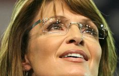 Rimless glasses are simple and sleek to wear which makes you wonder if you are wearing glasses at all. It gives out an intellectual image in you. Best Eyeglasses, Eyeglasses Frames For Women, Sarah Palin, Rimless Glasses, Eye Glasses, Attractive Eyes, Wearing Glasses, Sexy Older Women, Womens Glasses