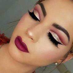 ladies womens fashion lady woman DIY videos tutorial make lipstick makeup lover cosmetics lips eyes looks divas Pretty Eye Makeup, Cute Makeup, Glam Makeup, Party Makeup, Hair Makeup, Makeup Trends, Makeup Inspo, Makeup Inspiration, Red Lipstick Makeup