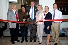 FAU College of Business Unveils Upgraded Trading Room  and Launches Bloomberg Internship Program