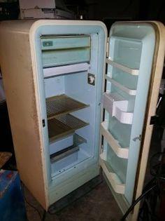 Vintage Appliances On Pinterest Vintage Refrigerator
