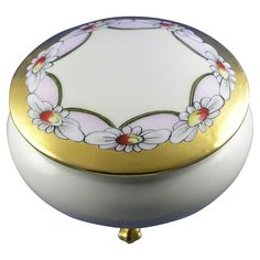 Moritz Zdekauer (MZ) Austria Arts & Crafts Daisy Motif Covered Footed Dish (c.1884-1909)