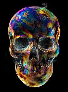 Skull Bubbles for t-shirt design by Eddie Yau Memento Mori, Skull Design, Tee Design, Skulls And Roses, Human Skull, Crystal Skull, Andy Warhol, Skull Art, Gold Skull