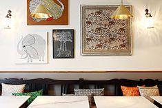 Restaurant indien contemporain à Paris. Delicous modern Indian in Paris. Restaurant Indien, Restaurant Paris, Paris Restaurants, Indien Design, Restaurant Interior Design, Restaurant Interiors, Decoration, Gallery Wall, Inspiration