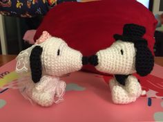 Crochet Snoopy wedding cake topper