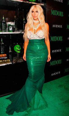 Kim Kardashian fantasia Halloween Sereia                                                                                                                                                                                 Mais