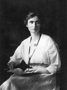 Edith Abbott (1876 - 1957)