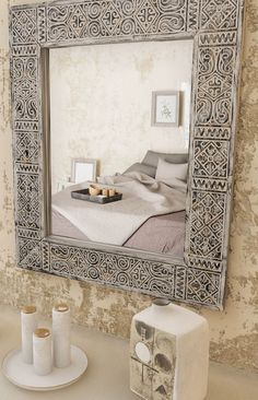 Modern bathroom mirror in BALIAN Black frame is made up in black-and-white colors. Experienced skilled workers manufacture the unique ethnical article manually from pinewood. Decorative Bathroom Mirrors, Rustic Mirrors, Small Bathroom, Master Bathroom, Bathroom Ideas, Wall Mirrors India, Traditional Mirrors, Black Mirror, Rustic Elegance