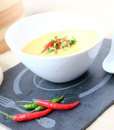 Le Marché de Sophie: Soupe thaï - courge, curry et lait de coco (mijoteuse)