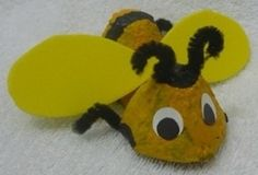 """Cute egg carton craft to go with a science-based storytime about bees. Books such as """"Are You a Bee?"""" by Judy Allen and """"Busy, Buzzy Bee"""" by Karen Wallace Craft Activities, Preschool Crafts, Crafts For Kids, Arts And Crafts, Insect Crafts, Bug Crafts, Crafts From Recycled Materials, Craft Materials, Cute Egg"""