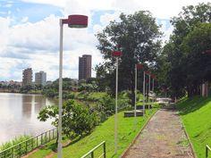 Passarela na Av. Beira Rio em Itumbiara, GO.