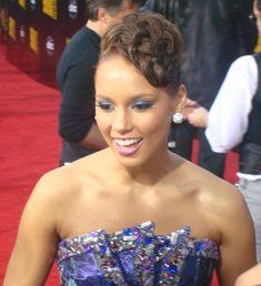Alicia Keys Alicia Keys It s On Again from The Amazing Spider Man 2 ft Photos Keys Aliciakeys Manhattan Known professionally