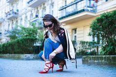 Bomber jacket & jeans & red heels