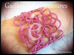 Springtime's coming...up the sleeves and ...show your beautiful 'Tat-too' decoration! This bracelet is an unique gift for yourself and your beloved...Hand tatted after my original design with poly thread its colour and perfect shape are guaranteed
