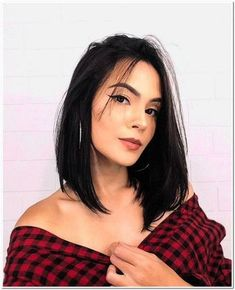 Modern Bob Hairstyles For Women, looking for neat looks is far more important than just a pretty face or the latest 2019 haircut! Haircuts For Long Hair Straight, Short Hairstyles For Thick Hair, Long Bob Haircuts, Trendy Haircuts, Medium Hair Cuts, Short Hair Cuts, Short Hair Styles, Modern Bob Hairstyles, Hairstyles Haircuts