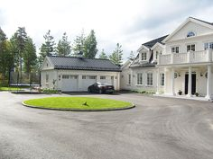 Gripsholmshus.se - Nr 38 New England Hus, Interior Garden, Pool Houses, House Front, My Dream Home, Exterior Design, Future House, Building A House, House Plans