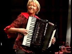 Christa Behnke  ( Libellentanz )   .mpg Pump Organ, Polka Music, Piano Accordion, Clarinet, Piano Lessons, Kinds Of Music, Music Videos, Music Instruments, Instrumental Music