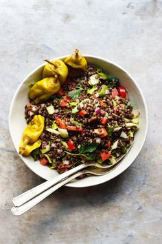 Lentil Crunch Salad with Pepperoncini Dressing | A crunchy lentil salad doused with a peppery, cumin pepperoncini dressing. A light lentil salad with a tangy, creamy vegan dressing.