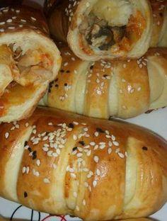 Mini Croissants Pizzastil – petit pain – Make Pizza Croissant, Mini Croissants, Tunisian Food, Snap Food, Mini Burgers, Food Snapchat, Ramadan Recipes, Aesthetic Food, Food Cravings