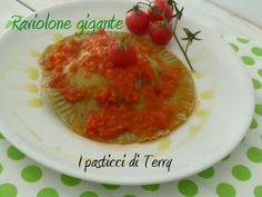 però gigante. #ripieno #profumato e #buonissimo qui come farlo e cosa mettergli dentro  http://www.ipasticciditerry.com/pasta-fresca-raviolone-gigante/