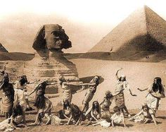 Dancing & Posing with the Sphinx, circa Colorful Pictures, Old Pictures, Old Photos, Old Egypt, Ancient Egypt, Ancient History, Le Nil, Pyramids Egypt, Vintage Travel Posters