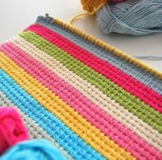 Watch This Video Beauteous Finished Make Crochet Look Like Knitting (the Waistcoat Stitch) Ideas. Amazing Make Crochet Look Like Knitting (the Waistcoat Stitch) Ideas. Crochet Afghans, Tunisian Crochet Stitches, Manta Crochet, Tapestry Crochet, Knit Or Crochet, Learn To Crochet, Crochet Crafts, Crochet Projects, Crochet Blankets