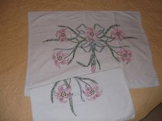 2 Vintage Embroidered Pillow Cases Pink by PaulasVintageAttic, $20.99  #vintage #linens #pillow cases