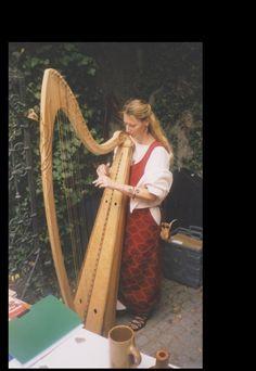die schönsten Harfen macht Herr Norbert Maier aus Tirol