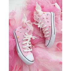 Pink diy fairy kei wings all star converse shoes pastel Kawaii stars Cute Shoes, Women's Shoes, Me Too Shoes, Pink Shoes, Fall Shoes, Winter Shoes, Pastel Goth Shoes, Shoes 2017, Trendy Shoes