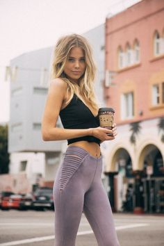 Because a healthy body equals a healthy everything The post This Is The One Thing Most Successful People Do Everyday appeared first on Career Girl Daily. Sport Motivation, Fitness Workouts, Fitness Diet, Sports Leggings, Women's Leggings, Loungewear Outfits, Sport Outfit, Womens Workout Outfits, Yoga Tops