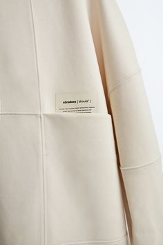 Fashion Details, Fashion Design, Athleisure Fashion, Style Casual, Beige Aesthetic, Clothing Labels, Fashion Fabric, Parisian Style, Label Design
