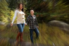 lWhat better place to have your engagement photos taken, than in beahtiful Estes Park Colorado! Photos by Becky Beckingham Photography.