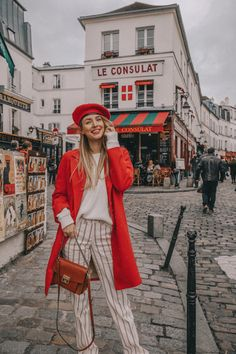 Leonie Hanne - Charming corners in Montmartre while exploring Paris with ❤️ Anzeige / Ad Fashion 2018, Paris Fashion, Winter Fashion, Fashion Outfits, Travel Outfits, Vacation Outfits, Fashion Styles, Fashion Fashion, Casual Outfits