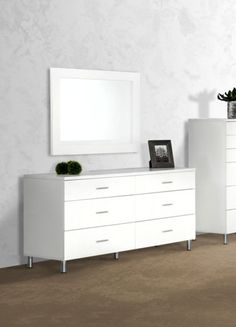 Modrest Bravo Modern White Dresser VGDEB1020-WHT Product : 16633 Features : - White Matte Finish - Brushed Silver Metal Handles and Legs - 6 Drawers - Mirror Available Separately - No Assembly Require