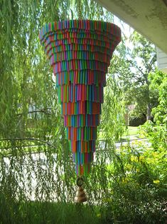 25 Creative Plastic Recycling Ideas Turn Plastic Straws into Useful Items and Home Decorations Diy Projects For Kids, Diy Garden Projects, Arts And Crafts Projects, Straw Projects, Kids Crafts, Garden Tools, Plastic Straw Crafts, Plastic Art, Plastic Recycling