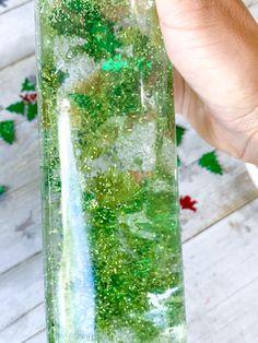 Christmas tree sensory bottle. Sensory Bottles For Toddlers, Sensory Bottles Preschool, Glitter Sensory Bottles, Sensory Boxes, Sensory Play, Real Christmas Tree, Silver Christmas, Green Christmas, Christmas Themes