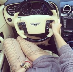 Pretty Little Fashion ♡: Photo Foto Casual, Leder Outfits, Luxe Life, Little Fashion, Car Girls, Girl Car, Thigh High Boots, Exotic Cars, Thigh Highs