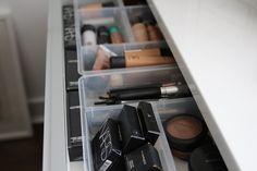Antonius drawers inserts | Besta Burs desk | IKEA