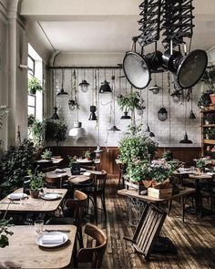 48 ideas for brunch restaurant interior bar Buffet Restaurant, Decoration Restaurant, Deco Restaurant, Restaurant Seating, Restaurant Kitchen, Brunch Café, Brunch Decor, Small Restaurant Design, Coffee Shop Design