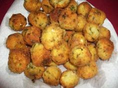 Breadfruit Puffs are a great party appetizer from the French Caribbean on islands such as Martinique, Guadeloupe and Dominica. Indian Food Recipes, Gourmet Recipes, Pasta Recipes, Cooking Recipes, Healthy Recipes, Ham Recipes, Healthy Breakfasts, Copycat Recipes, Potato Recipes