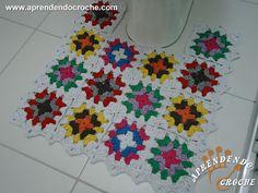 Jogo Banheiro Crochê Squares - Tapete Vaso - Receita de Croche com o Passo a Passo no Link http://www.aprendendocroche.com/receitas-de-croche/video-aula.asp?resid=1384&tree=24