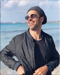 Isn't he cool? Luca Argentero wearing 90's inspired sunnies! Sunnies, Pilot, Mens Sunglasses, Actors, Inspired, Cool Stuff, How To Wear, Vintage, Inspiration