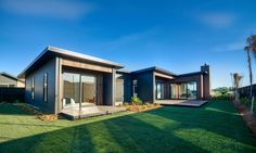 30 Gorgeous Scandinavian Modern House Designs For Perfect Living Ideas Modern Wooden House, Timber House, Modern House Plans, Modern Houses, Timber Roof, Modern Barn, Tiny Houses, Open Floor House Plans, Porch House Plans