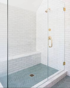 Part 1: Fresh Classic Alternatives to Subway Tile - Home Glow Design Bad Inspiration, Bathroom Inspiration, Modern Bathroom Design, Bathroom Interior Design, Minimal Bathroom, Bathroom Designs, Timeless Bathroom, Bath Design, Shower Remodel