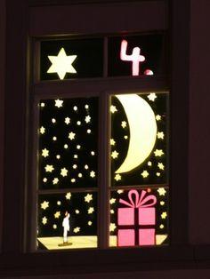 Mond Christmas Window Display, Christmas Windows, Window Ideas, Calendar, Frame, Home Decor, Moon, Advent Calendar, Weihnachten