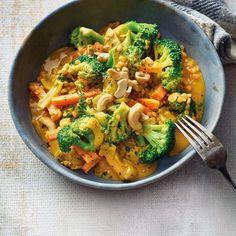 Brócoli al curry con lentejas rojas Rezepte Healthy Dinner Recipes, Healthy Snacks, Vegetarian Recipes, Healthy Eating, Vegetarian Curry, Broccoli Curry, Red Lentil Recipes, Curry Recipes, Plats Healthy