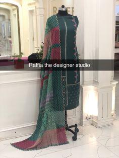 Dress Design Sketches, Boutique Suits, Indian Designer Suits, Embroidery Suits, Punjabi Suits, English Language, Hue, Designer Dresses, Fashion Dresses
