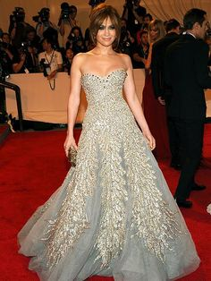 Jennifer Lopez~ Sparkling in this Zuhair Murad Haute Couture strapless gray gown