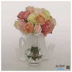 Hochzeit - Brautstrauß mit bunten Ecuador Rosen und Perlen Ecuador, Glass Vase, Decor, Fresh Flowers, Hair Jewelry, Beads, Dekoration, Decoration, Decorating